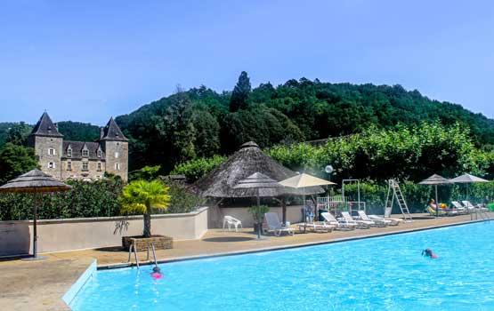 Château avec piscine en Corrèze