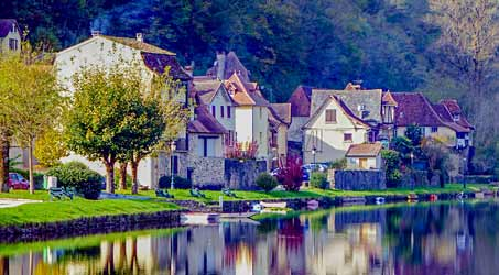 Découvrir Beaulieu-sur-Dordogne