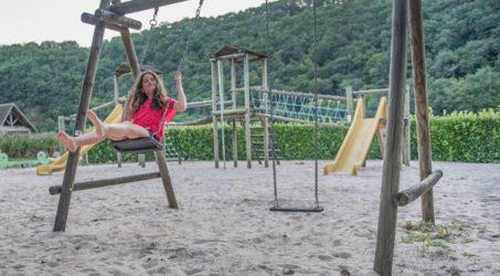 aire de jeux enfants camping Gibanel