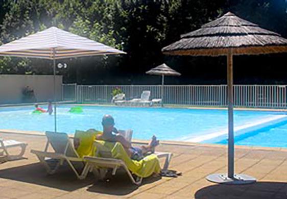 camping corr ze avec piscine camping avec piscine chauff e limousin. Black Bedroom Furniture Sets. Home Design Ideas