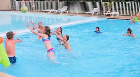 piscine pour les petits camping gibanel
